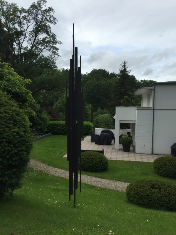 XVIII.IX (2004) 400/38 cm. Sold